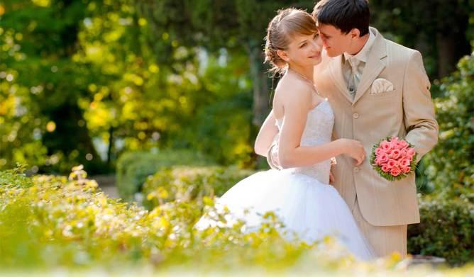 10 Tips Agar Suami Makin Cinta Istri