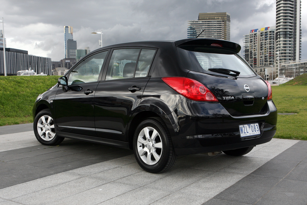 Full Picture Nissan Tiida