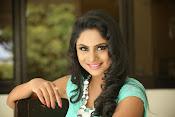 Deepika das glamorous photos-thumbnail-8