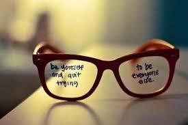 muslimah cantik kacamata