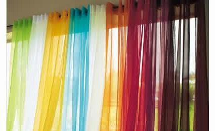 Adaptez la couleur de votre rideau à votre décoration d'intérieur mais aussi selon les saisons et la température.