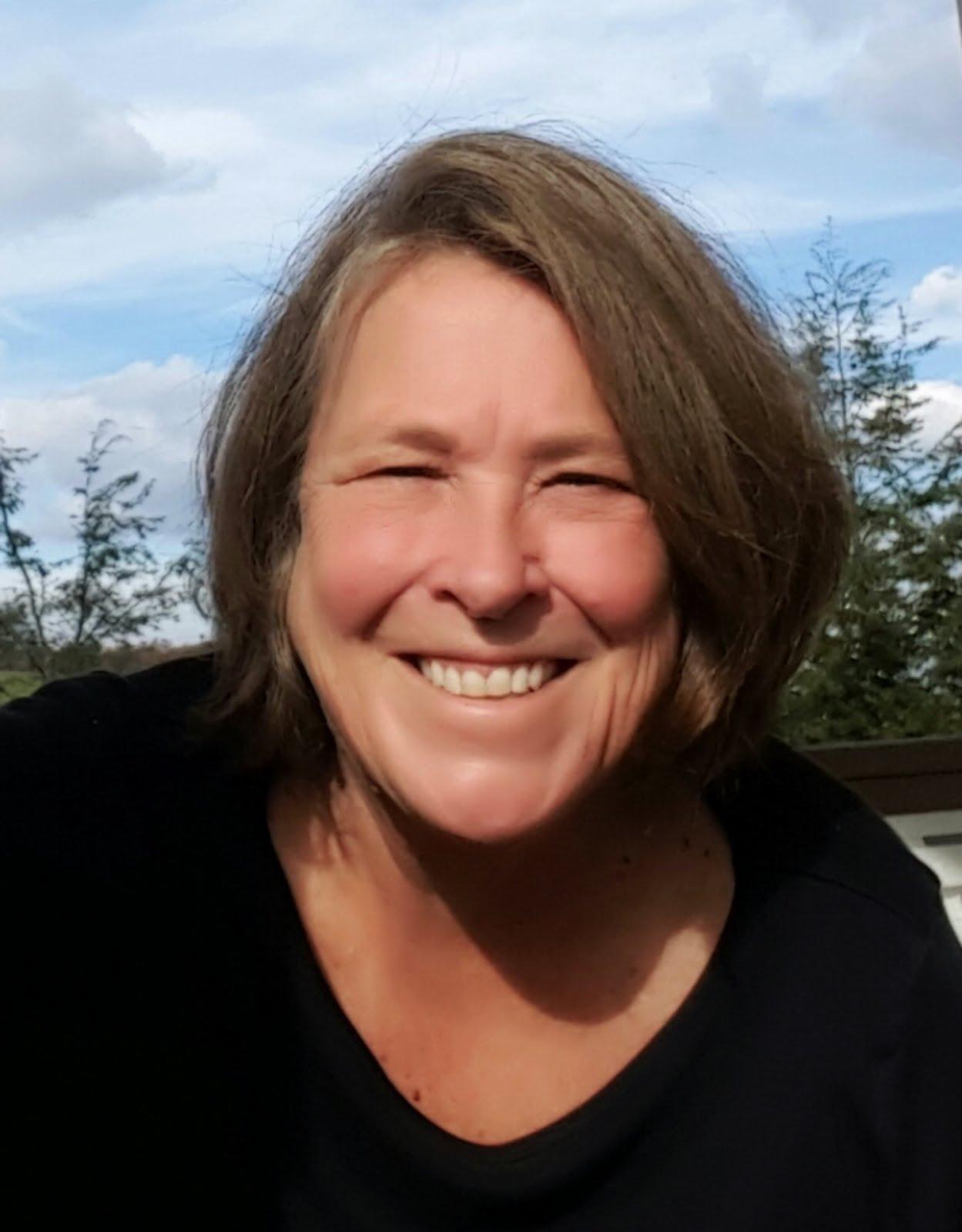 Vicki Burton, Broker