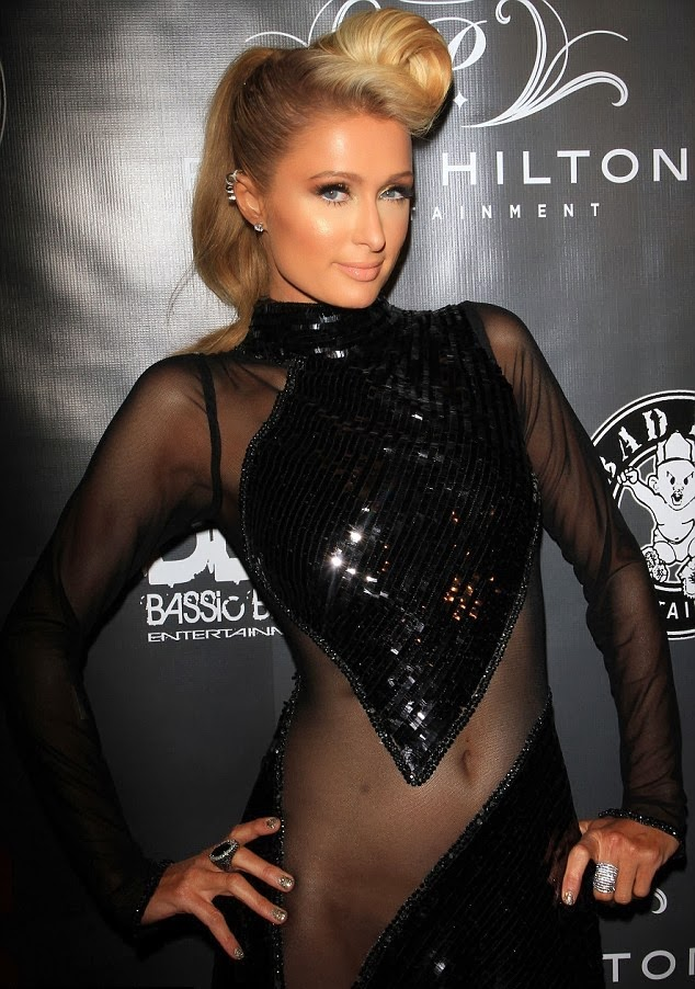 Paris Hilton sin ropa interior