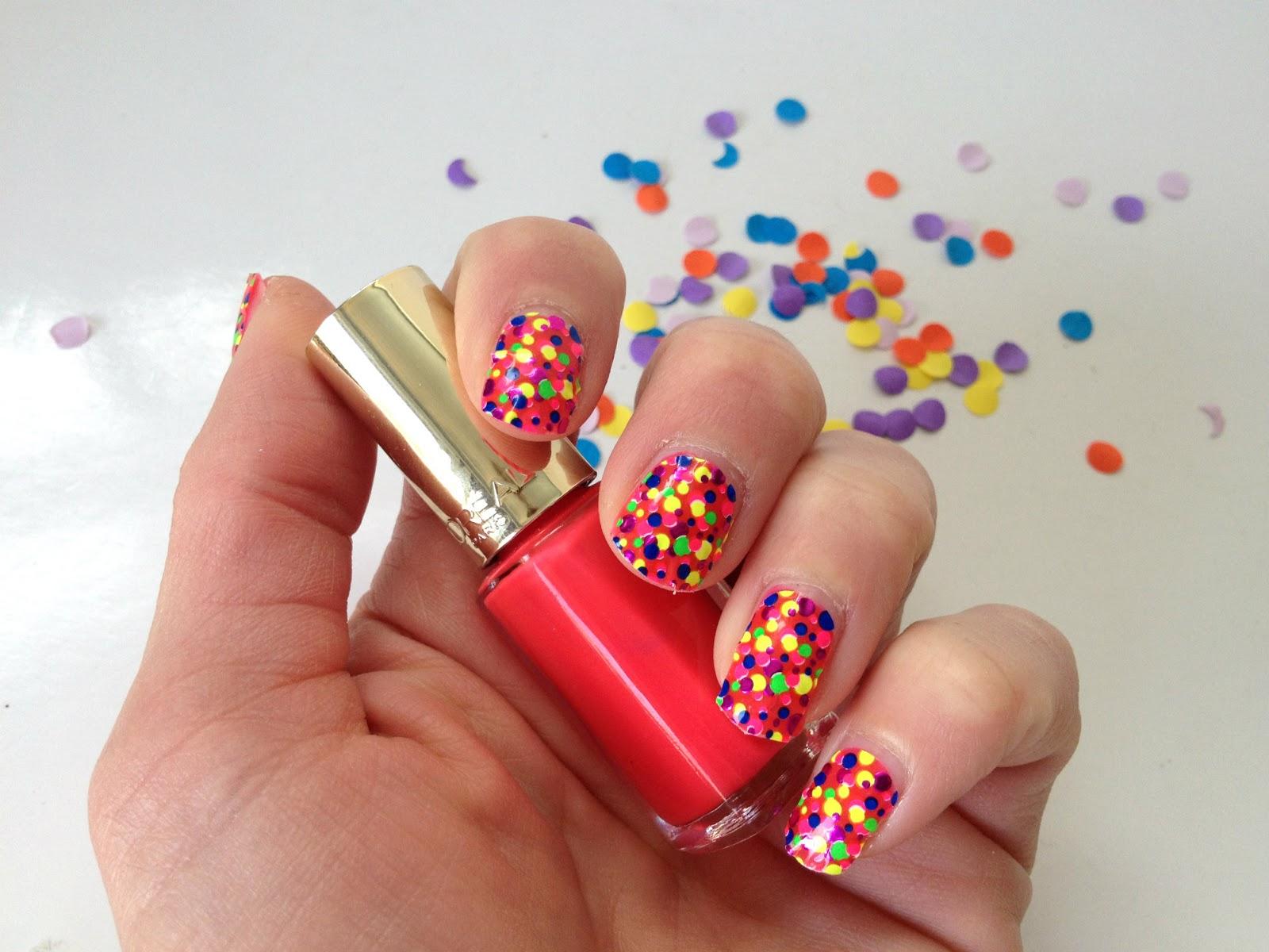 Дизайны ногтей с конфетти