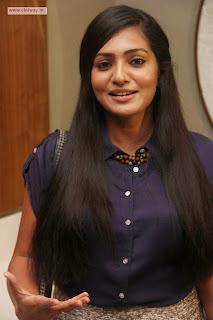 Mariyaan-Heroine-Parvathi-at-Movie-Press-Meet