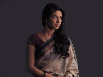 Indian Beauty Priyanka Chopra Saree Wallpapers