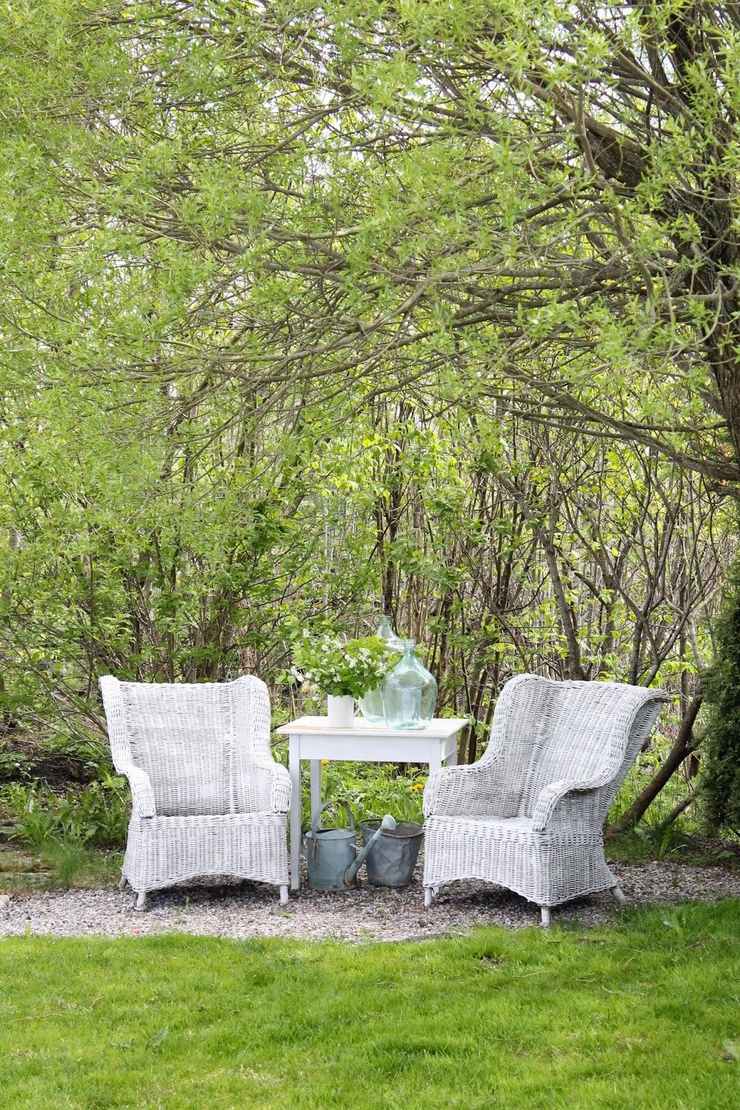 1000 bilder zu gartenhaus und deko auf pinterest g rten ferienh uschen und schuppen. Black Bedroom Furniture Sets. Home Design Ideas