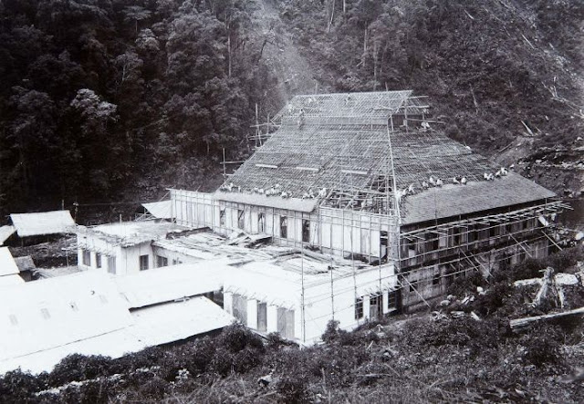 Photo Eksklusif Stasiun Malabar Gunung Puntang....!!!   http://indonesiatanahairku-indonesia.blogspot.com/