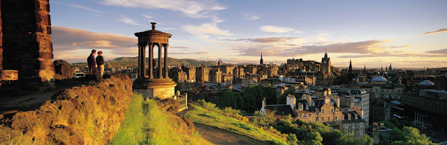 Panorámica de Edimburgo al atardecer