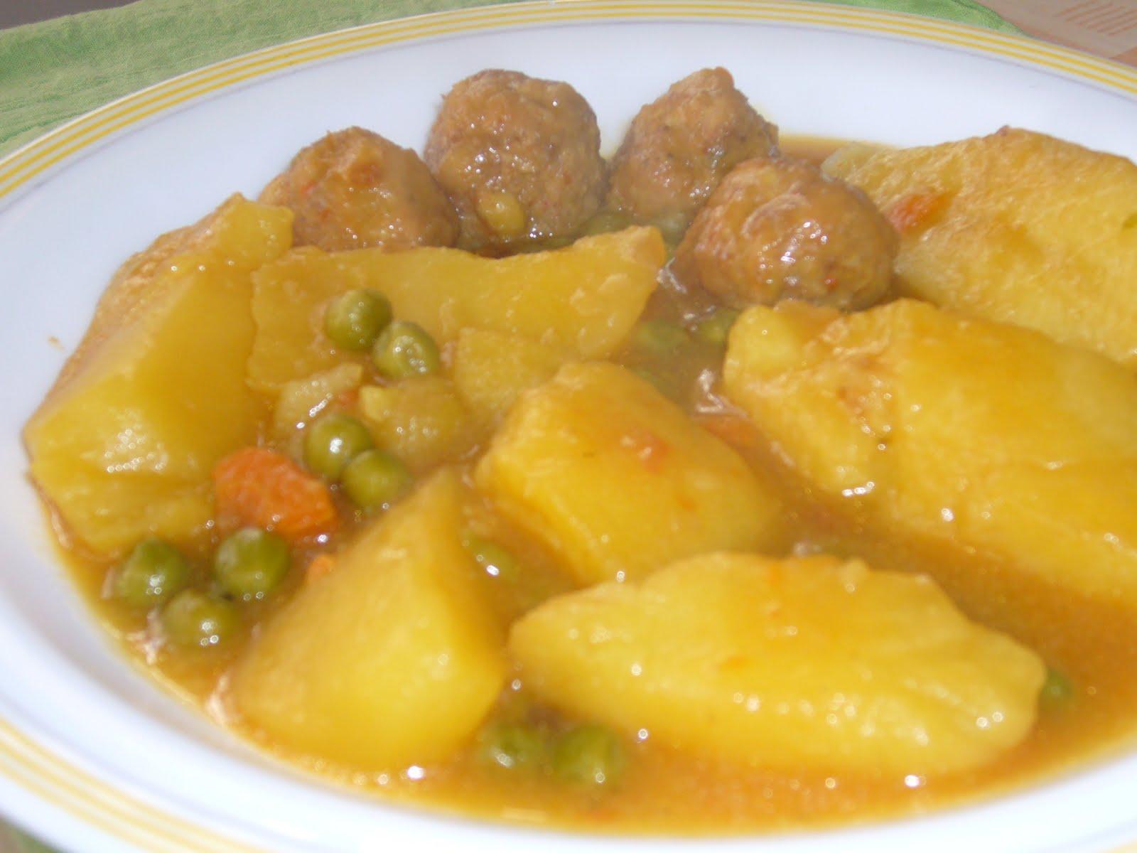 Des de la cuina de l 39 hort guiso de patatas y albondigas - Albondigas de patata ...