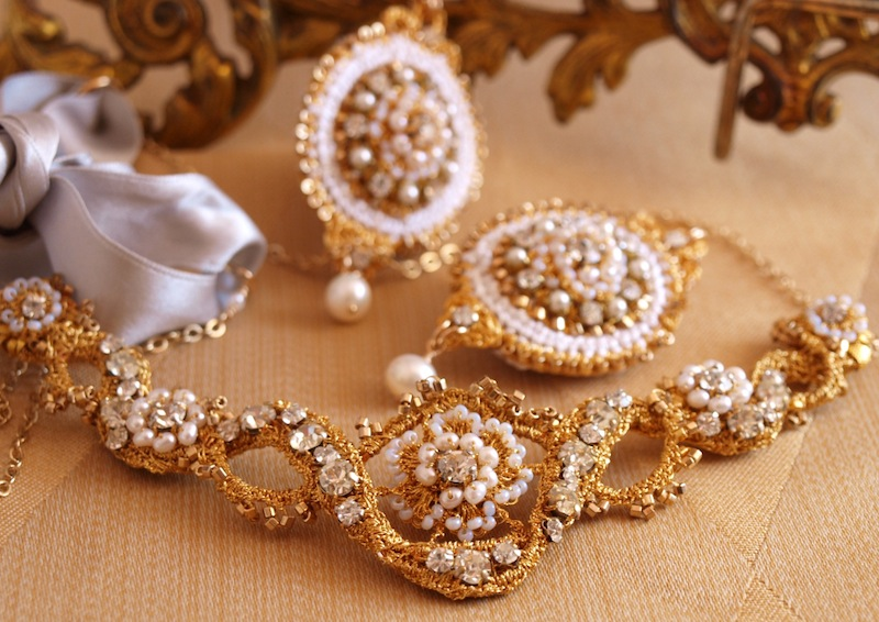 gold lace tiara and earrings