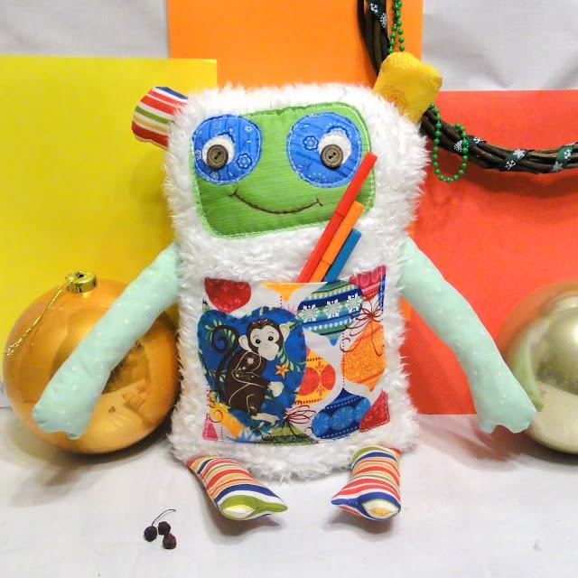 Мягкая игрушка Обезьяна - подушка с карманом на пузе, новогодний подарок ребенку