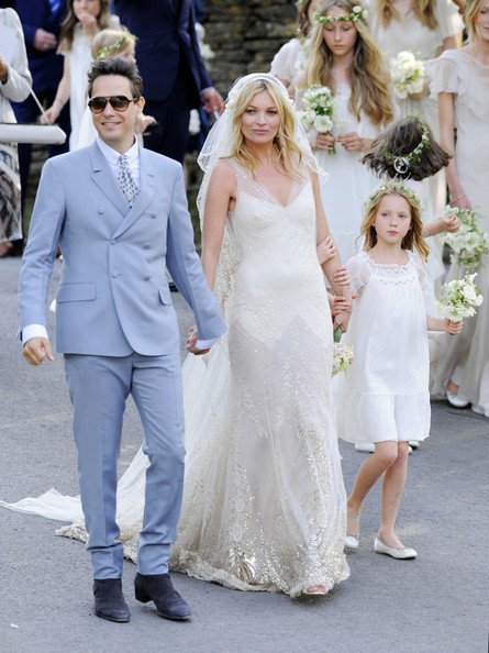Kate moss wedding dress fashion daydreams uk fashion and on the bottom to give her gown some glamour normally a plain and maybe slightly overlooked accessory kates veil was embroidered with pretty flowers junglespirit Gallery