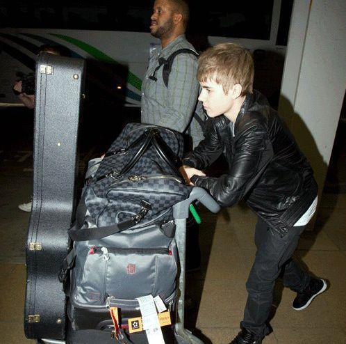 justin bieber fake pics. quot;Justin Bieber and his team