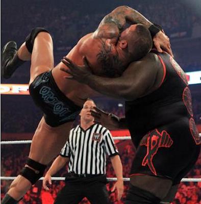 intento de RKO fallido por parte de randy orton vs mark henrry