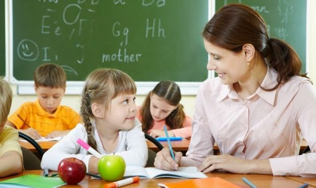 Karakteristik Pendidik PAUD - Mendidik dengan Mencelupkan Diri