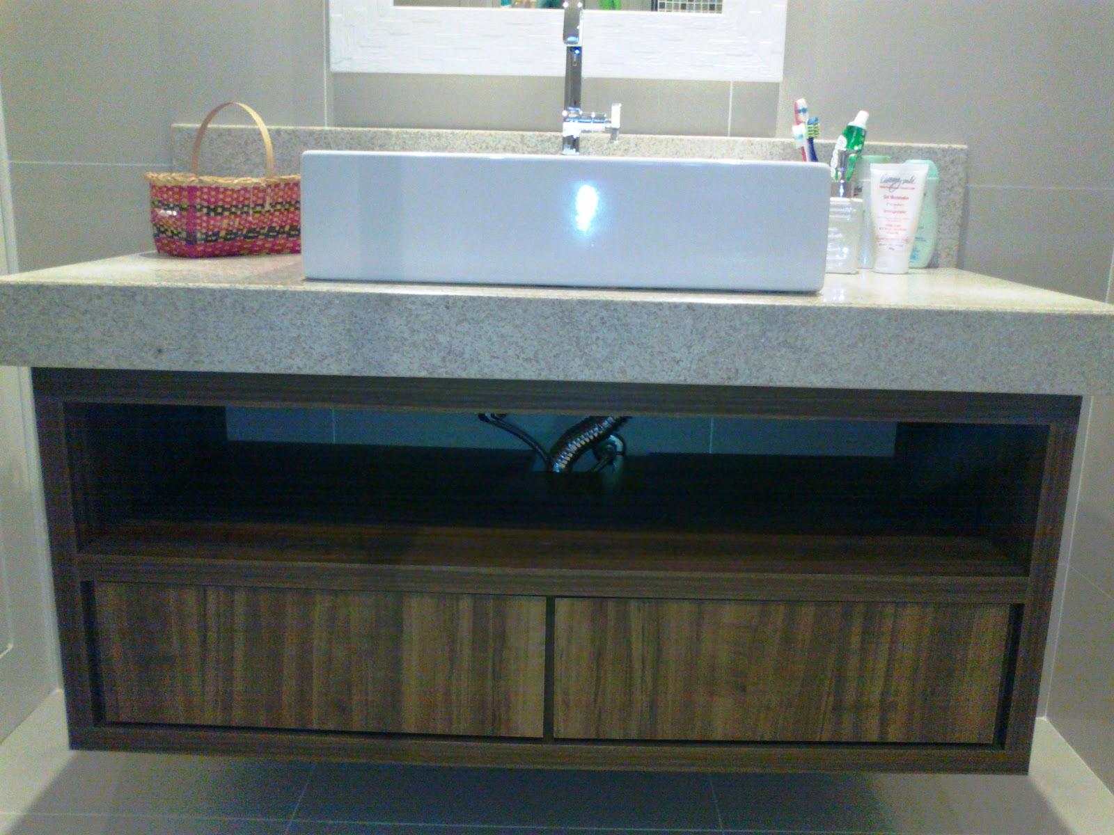 Armário para pia de banheiro Vitória Móveis sob medida #25445B 1600x1200 Armarinho De Banheiro De Vidro