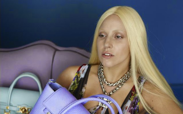 Lady Gaga sans make up : les photos de son shooting pour Versace