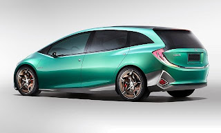 2015-Honda-Odyssey-Pictures