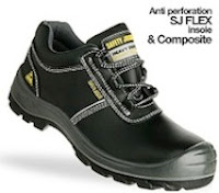 sepatu-boots-aura