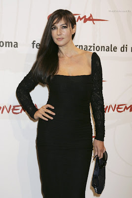Monica Bellucci Beautiful Wallpaper HD looking Hxt
