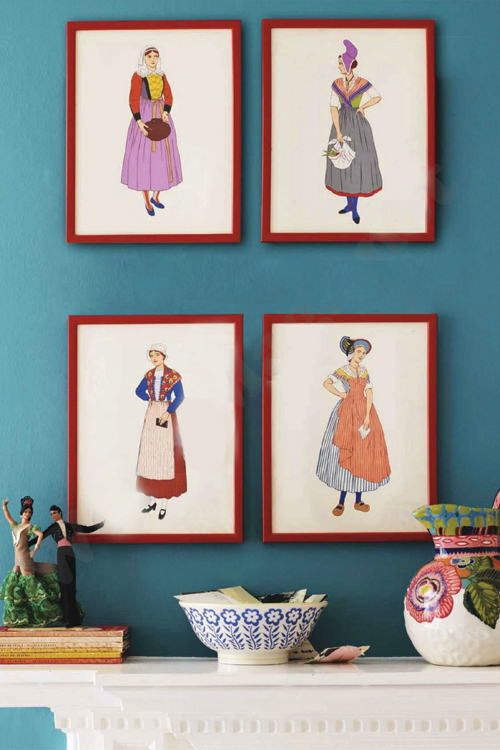 Frames+on+the+mantlepiece Retro Home DIY Ideas for Decor | Colourful Flea Market Thrift Style