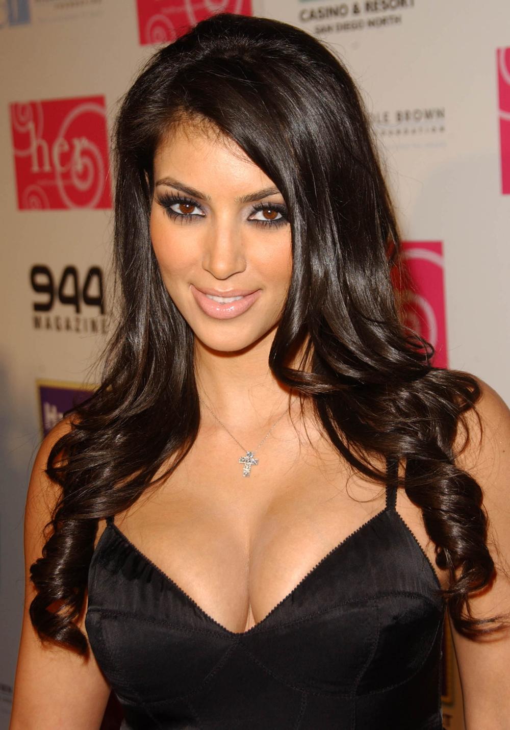 Kim Kardashian Curly Hair 06