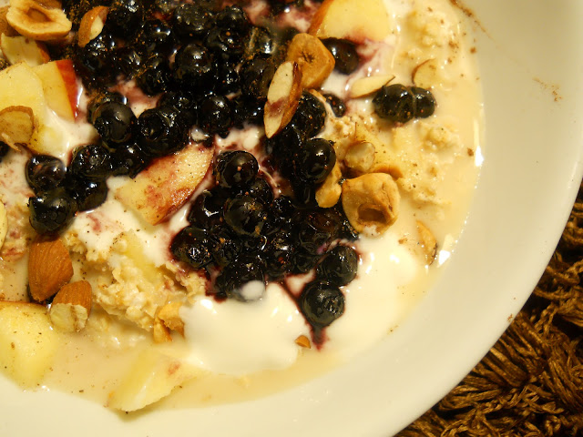 Fresh Muesli with Blueberries, Yogurt and Nuts
