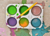3 ingredient sidewalk paints that are vibrant & smell amazing!  All the mess washes easily away after play, too!