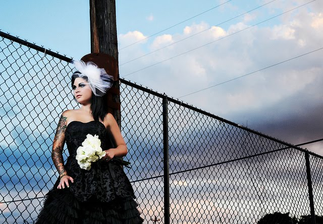 For a perfect gothic wedding you need to plan carefully for the ceremony