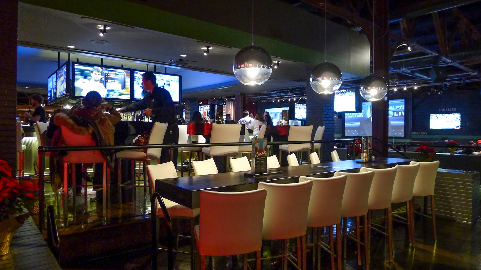 Restaurants near Dave & Buster's - Arcade, Oakville on TripAdvisor: Find traveller reviews and candid photos of dining near Dave & Buster's - Arcade in Oakville, Ontario.