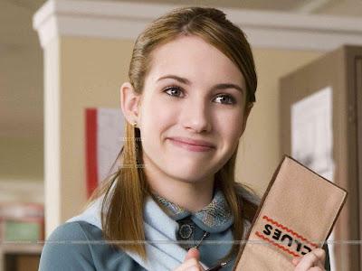 Emma Roberts Smiling Wallpaper
