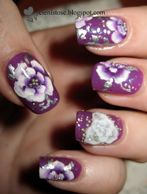 Fioletowe kwiaty one-stroke i lakier Softer Crazy Colours nr 18