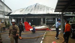 Berita Pesawat Air Show Jatuh di Bandung 2012