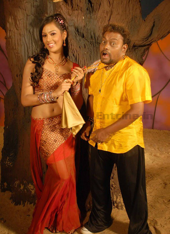 90_kannada_movie_hot_on_location_stills0