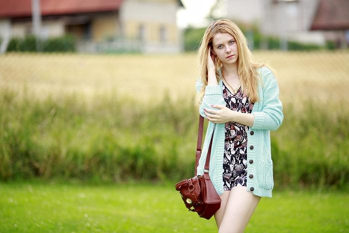 česká módní blogerka, lucie srbová, mintový svetřík, omg fashion