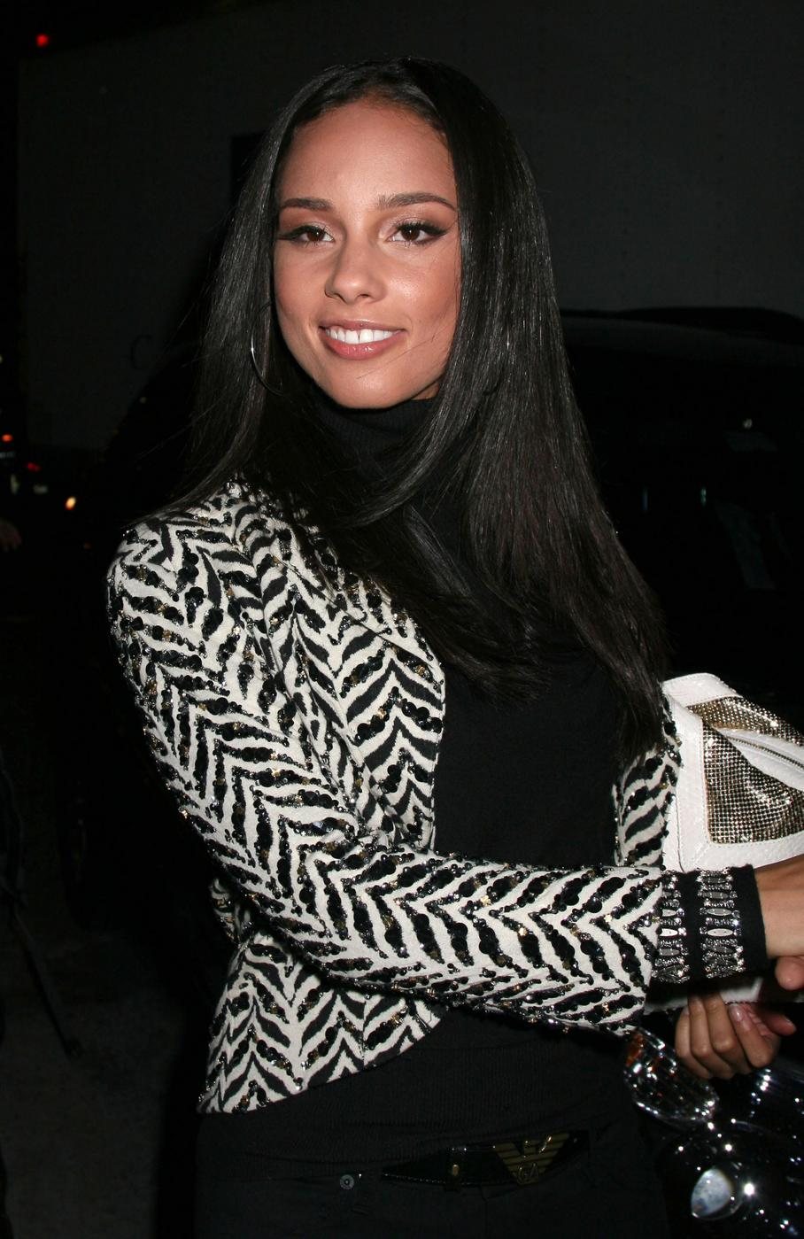kafgallery: Celebrity Alicia Keys Hairstyle Wallpaper