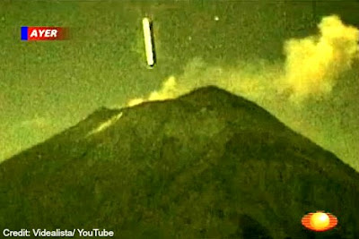 UFO Entering Popocatépetl Volcano (Edt) - Oct. 2012