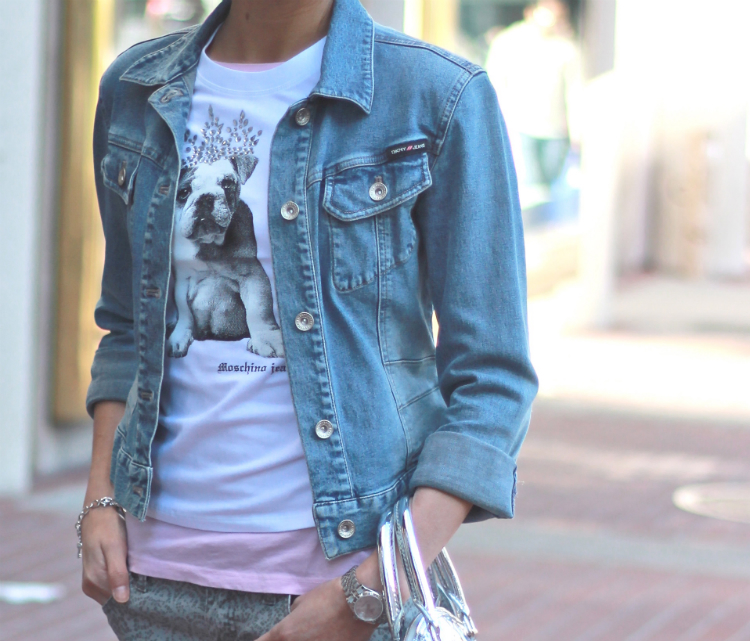 graphic tee and jean jacket combo idea