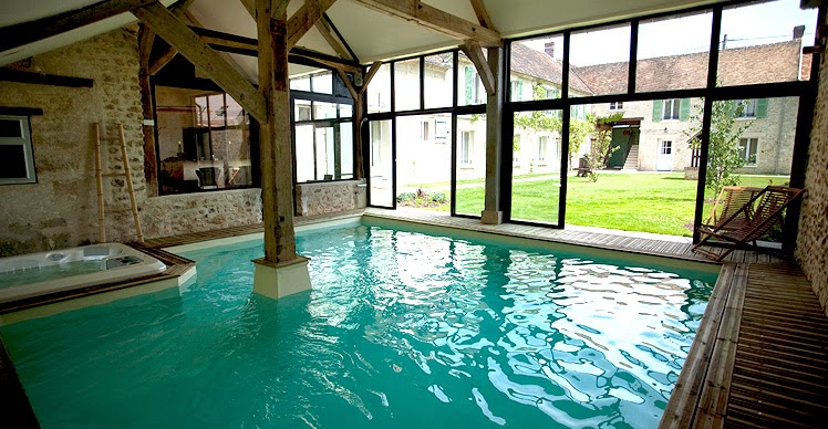 Globeshoppeuse escapade romantique au clos des vignes for Hotel design piscine ile de france