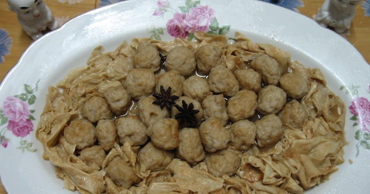 Sumptuous Flavours: Braised Fish Balls & Bean Curd Skin