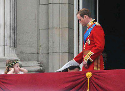 kate middleton giving prince william a head, blowjob in public,