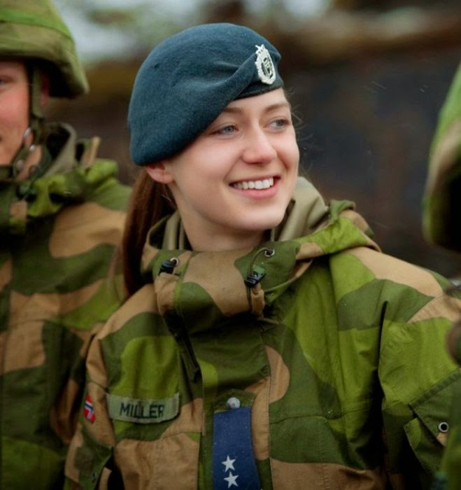 the women of the norwegian military damn cool pictures