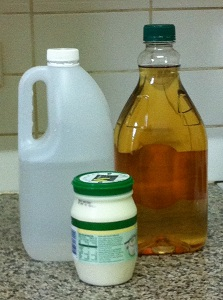 2 litres white vinegar, 2 litres apple cider vinegar, 500g plain low-fat yoghurt