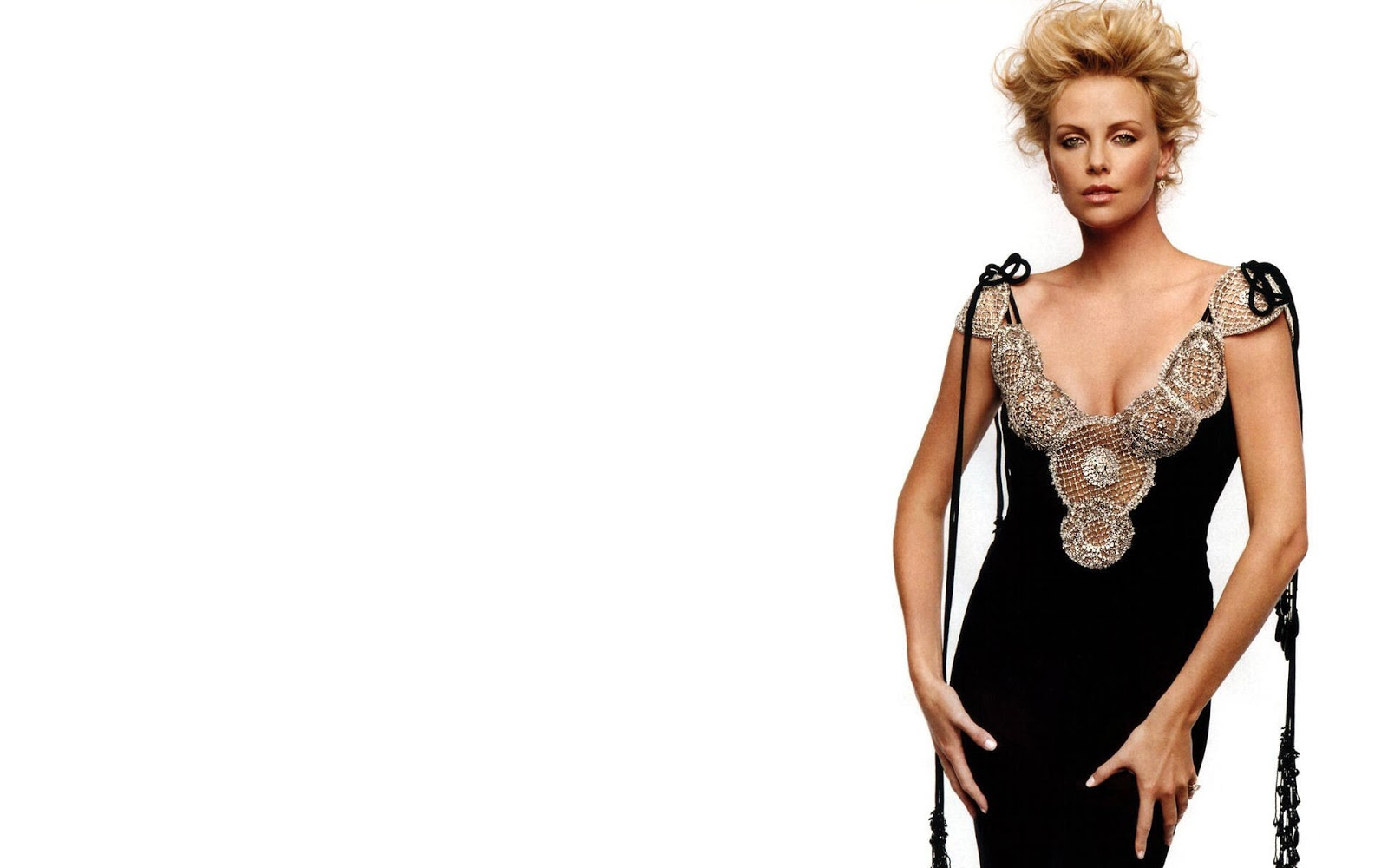 Charlize Theron Elegenat Black Dress