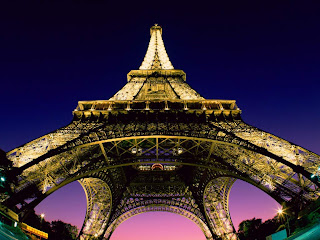Foto Menara Eiffel Prancis