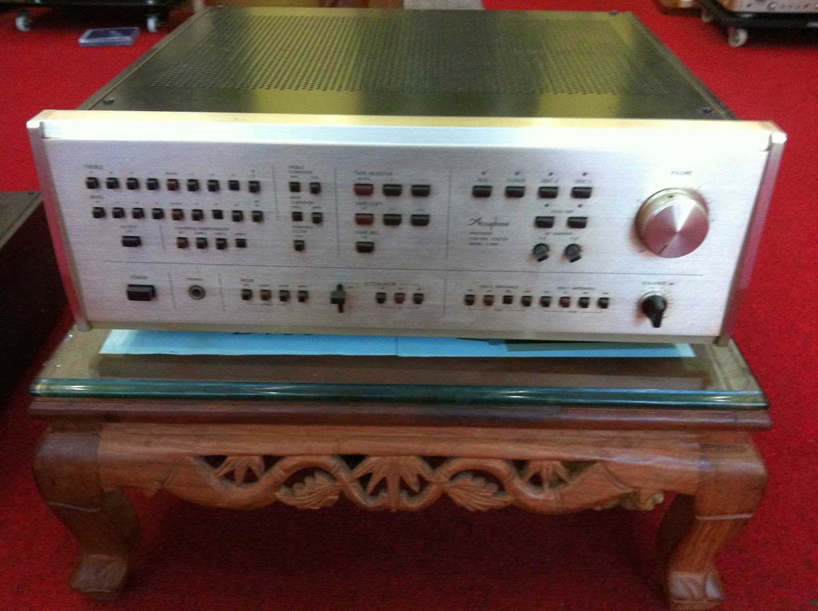 Mặt trước Preamplifier Accuphase C240