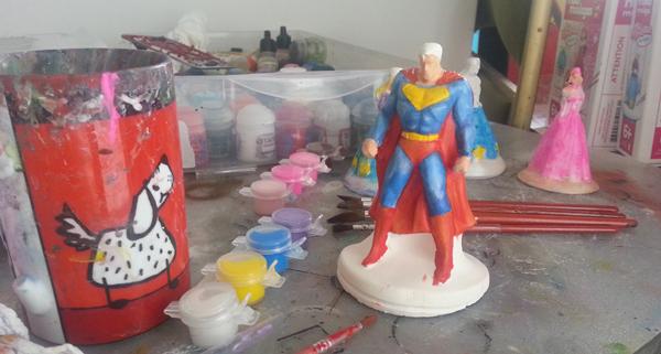 superman platre peinture