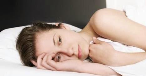 Bere alcol prima di andare a letto induce a dormire ma fa male al riposo e al benessere mentale - Cosa mangiare prima di andare a letto ...