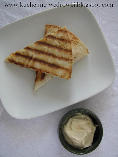 Quesadillas z fasolą i jalapeno